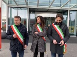 Il sindaco di Travagliato Renato Pasinetti, quello di Torbole Casaglia Roberta Sisti e quello di Castelmella Giorgio Guarneri