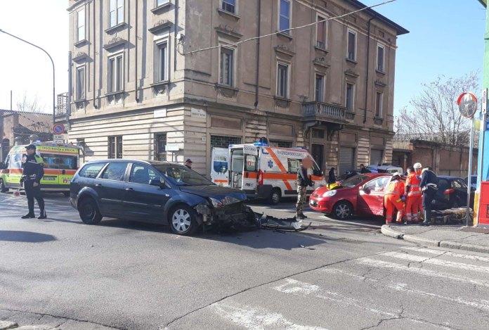 Incidente in via Vantini a Brescia, foto Andrea Tortelli per BsNews.it