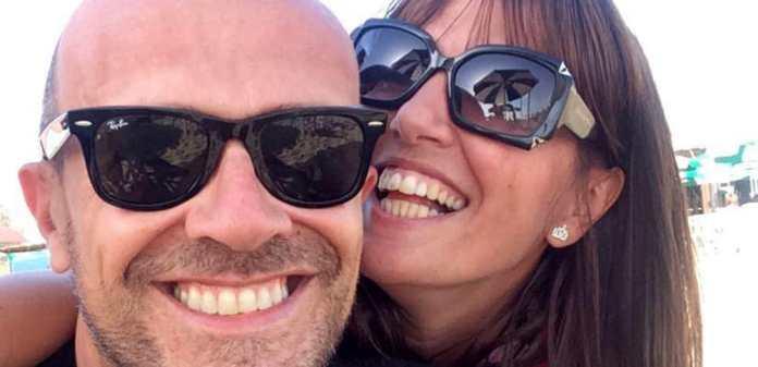 Max Pezzali con sua moglie, la bresciana Debora Pelamatti