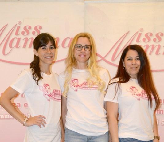 Nella foto: le tre mamme bresciane, da sinistra, Vanessa Bondì, Vaselina Panasenko e Jessica Muntoni