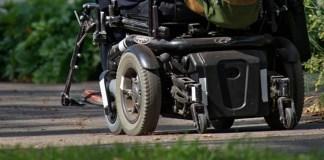 sedia a rotelle motizzata