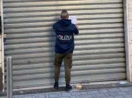 Polizia - sigilli ad un'attività