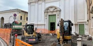 Lavori riqualificazione sagrato Sant'Afra - Fotografia 1