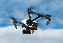 drone - generico - Foto di Thomas Ehrhardt da Pixabay