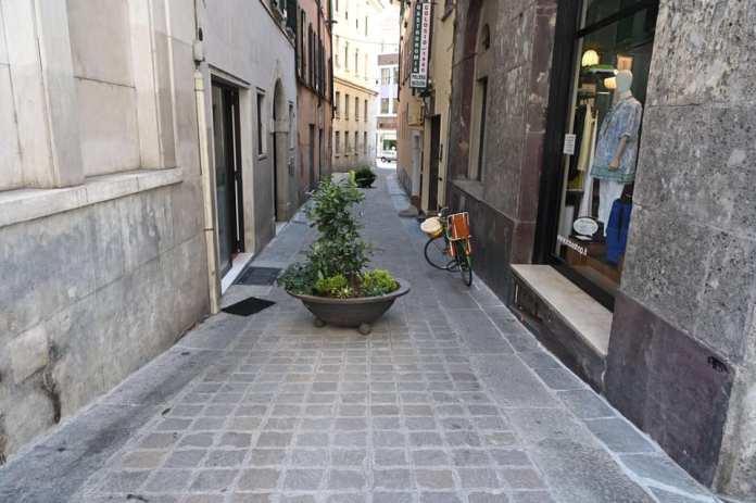 Lavori di manutenzione dei marciapiedi in centro - foto da google maps