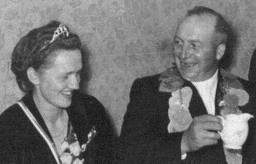 1954: Erstes Königspaar Kaspar Bruckmann und Irmgard Schulze-Hockenbeck