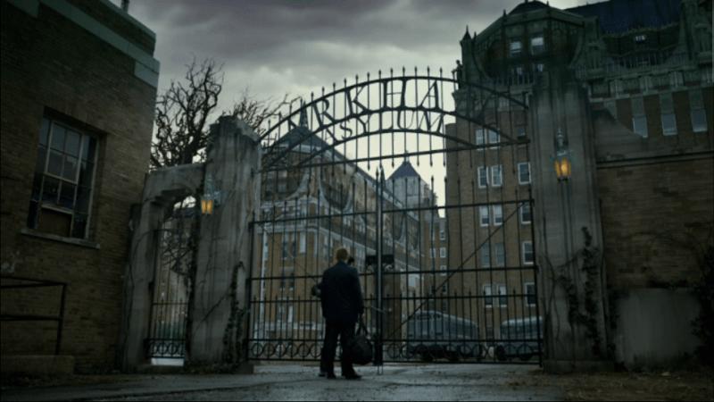 Gotham-Bruce-arrives-at-Arkham-Asylum