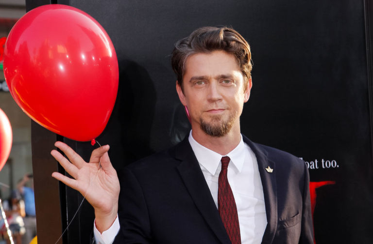 Andy Muschietti IT 2017 Director with Balloon - BTG Lifesetyle