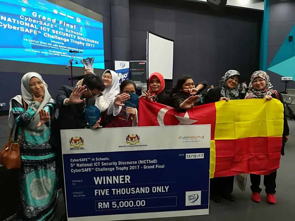 Tahniah SMK Cyberjaya Juara NICTSeD 2017