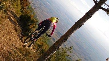 Montes Obarenes y sus senderos desde Sajazarra