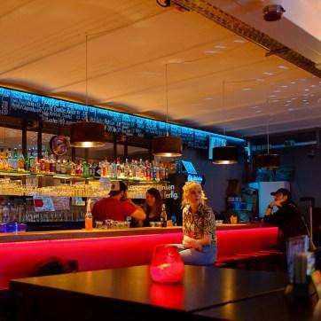 Bar, alte Hackerei