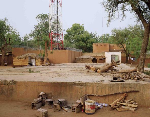 Maison Tropicale (Niamey) #2, 2007 Impressão Light Jet montada em alumínio, 120x150cm