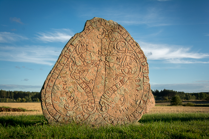 Rune stone in Runriket, Täby kyrkby, Sweden. Carved a thousand years ago by vikings.