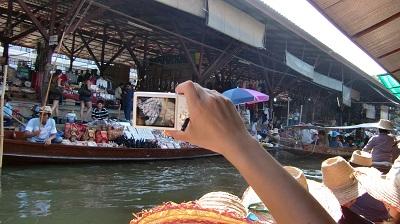 タイ王国の水上マーケット
