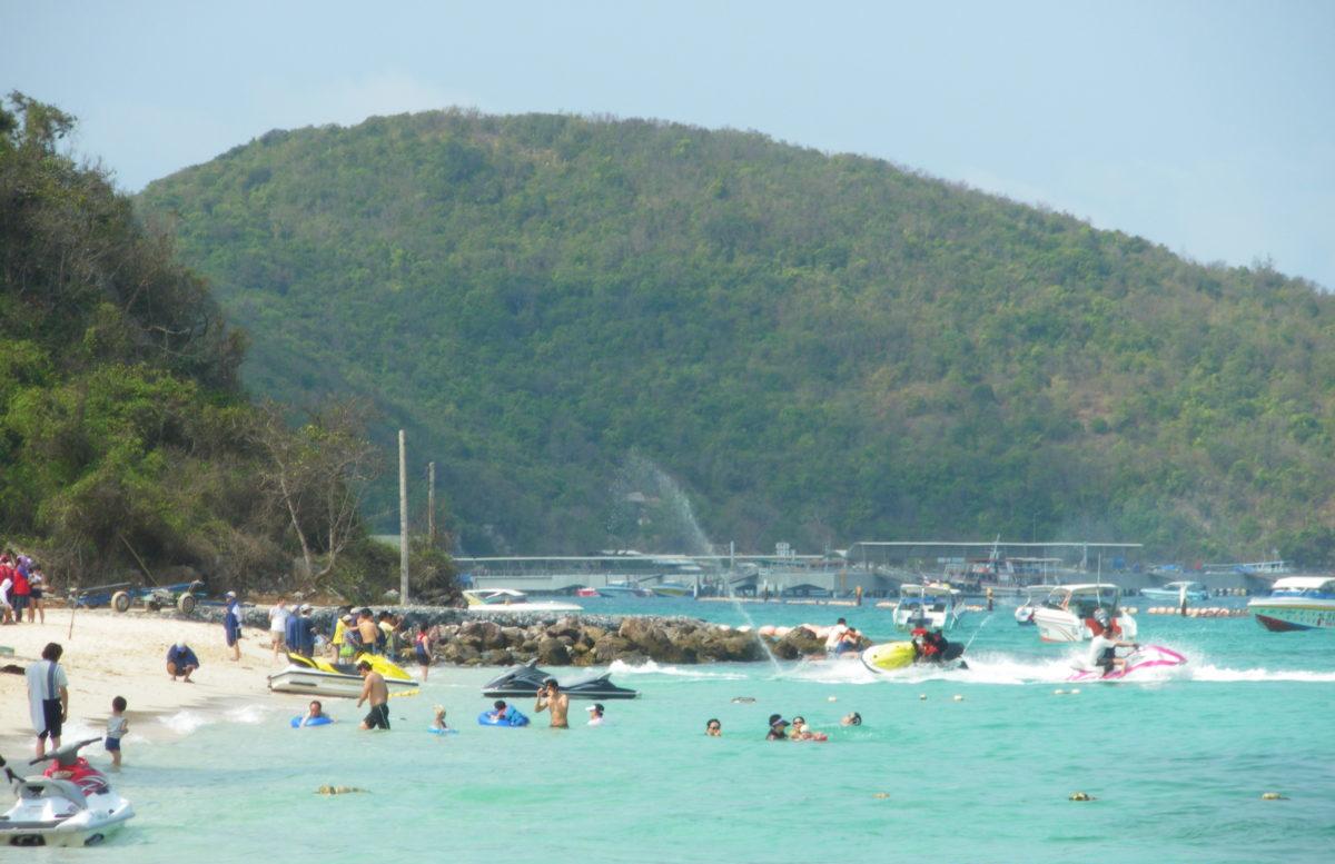 タイ王国ラン島のビーチ