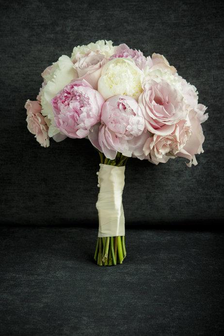 Peony Wedding Bouquet   Chicago Wedding   Cafe Brauer Wedding   Bubbly Moments