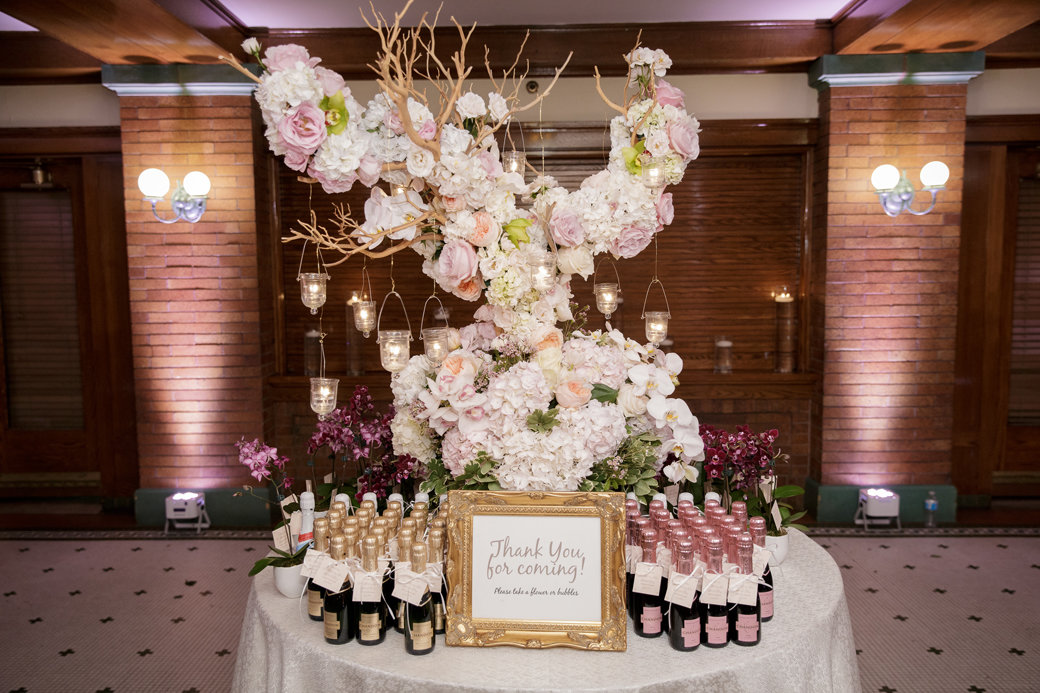 Champagne Wedding Favors   Cafe Brauer   Chicago Wedding   Bubbly Moments