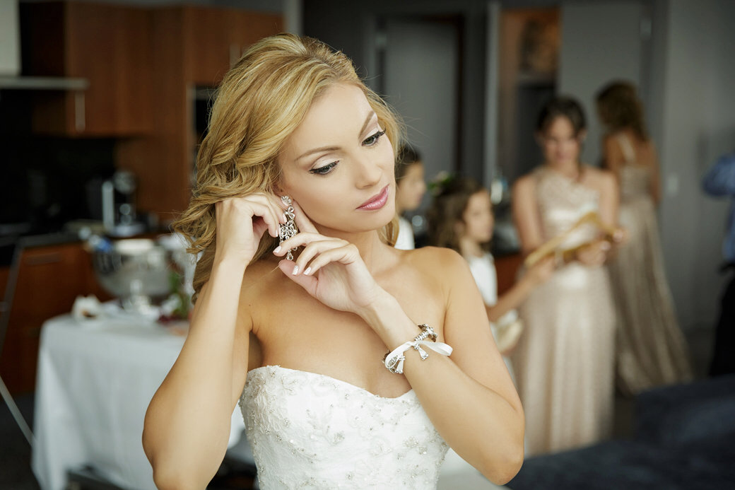 Monique Lhuillier Bridal Gown   Bride Style   Getting Ready   Chicago Wedding   Cafe Brauer Wedding   Bubbly Moments