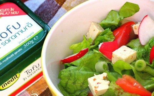 Retete Culinare - Salata verde cu tofu