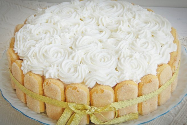 Retete Culinare - Tort diplomat cu caise, pere si ananas
