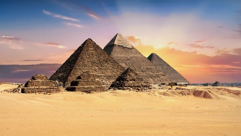 10 Key Topics on your Bucket List -  Pyramids, Egypt