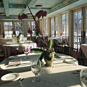 Barley Sheaf dining room day