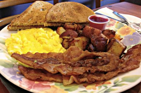 Eggs and bacon at Pat's Colonial Kitchen