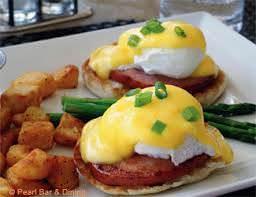 eggs benedict_Caleb's