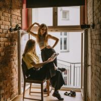 Ce citesc adolescenții: 3 cărți bestseller care nu trebuie ratate