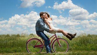 7 cărți romantice cu adolescenți de care te vei îndrăgosti