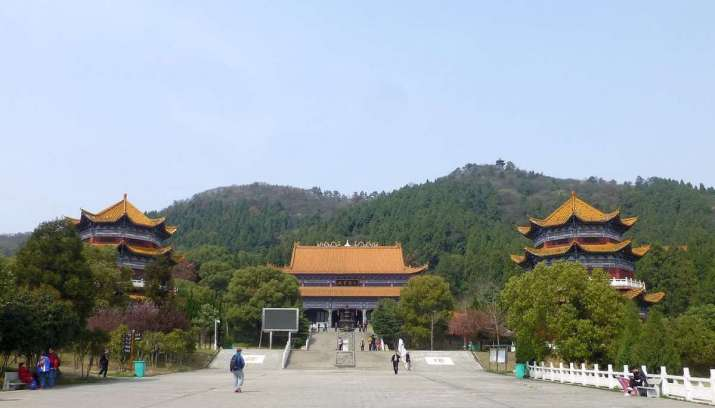 Lingquan Temple. From wikimedia.org