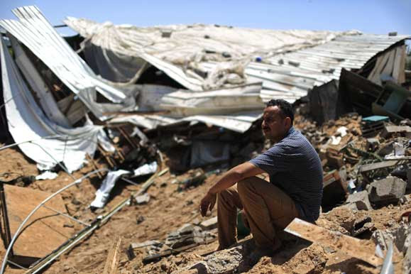 hoping to survive in gaza 2