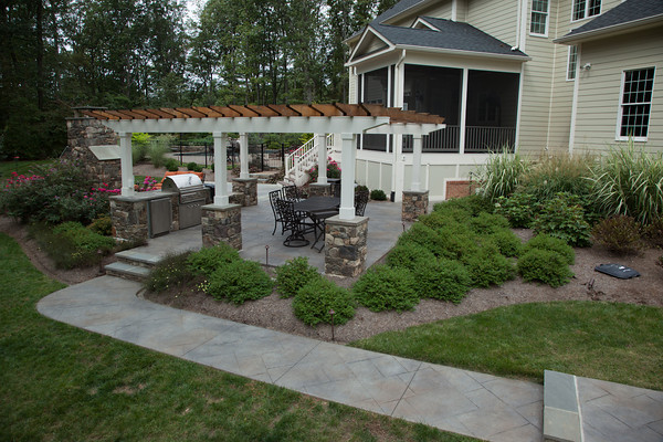 13.-Home-in-the-Woods-After-Sidewalk-Arbor.jpg?fit=600%2C400&ssl=1