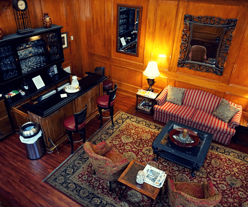 Governors Inn Tallahassee lobby