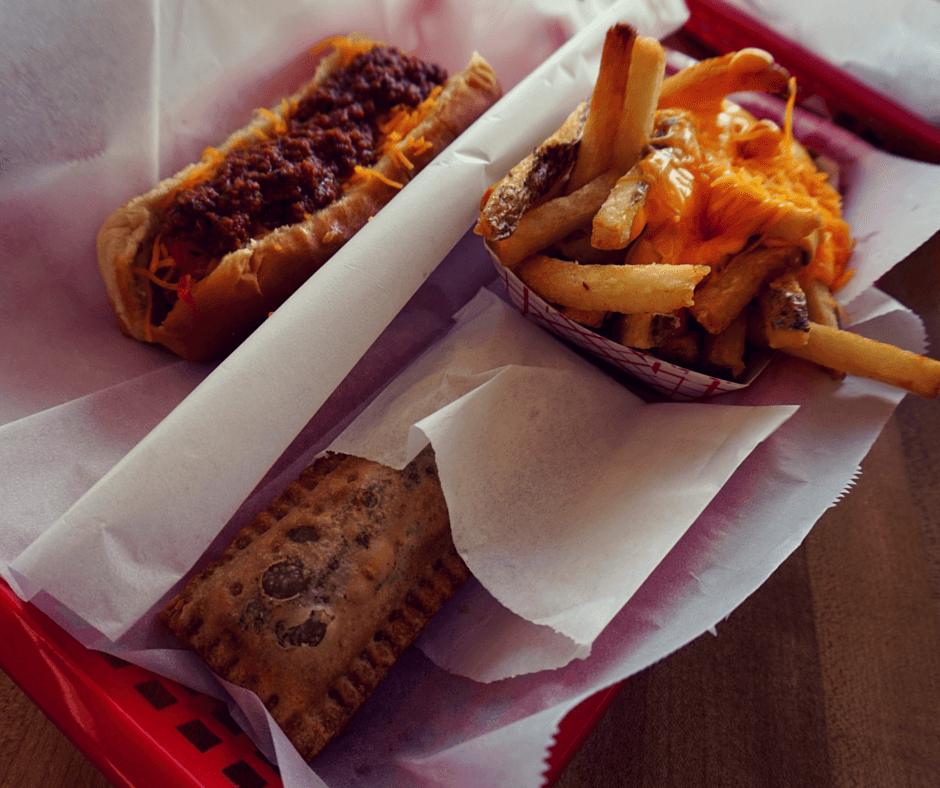 dog et al chili cheese dog