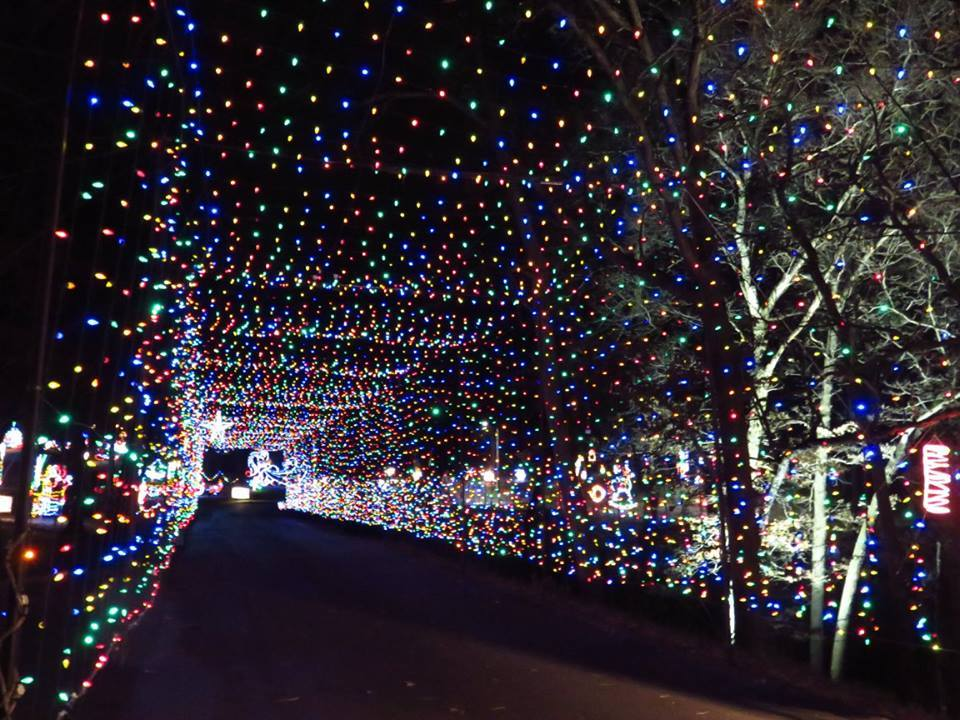 Dubuque Iowa Holiday Lights tunnel