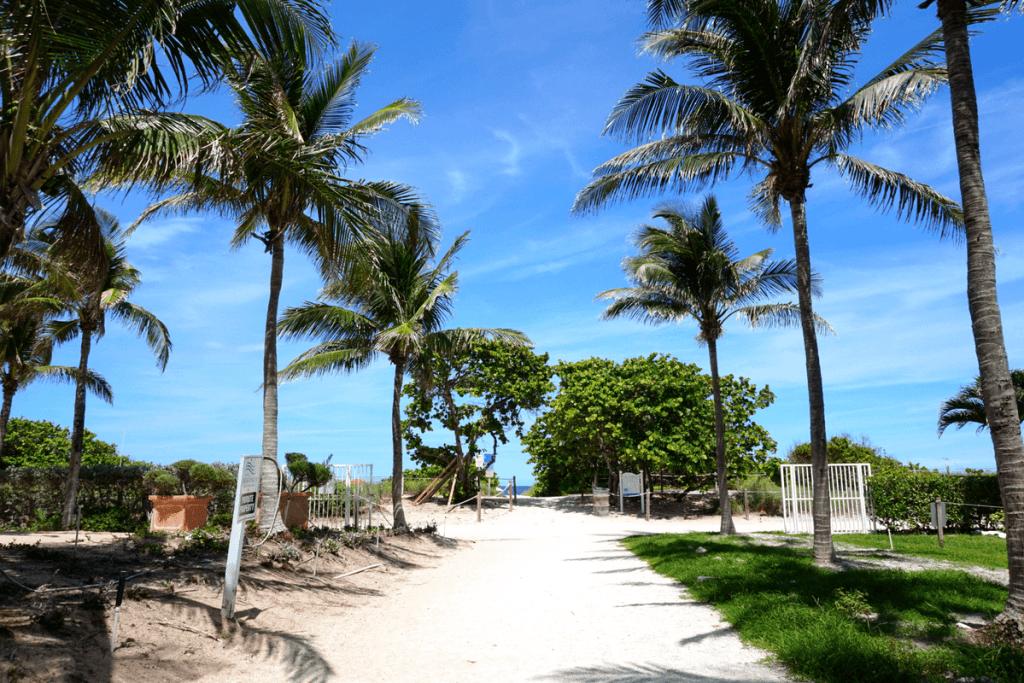 Walking from the Residence Inn Surfside to the beach