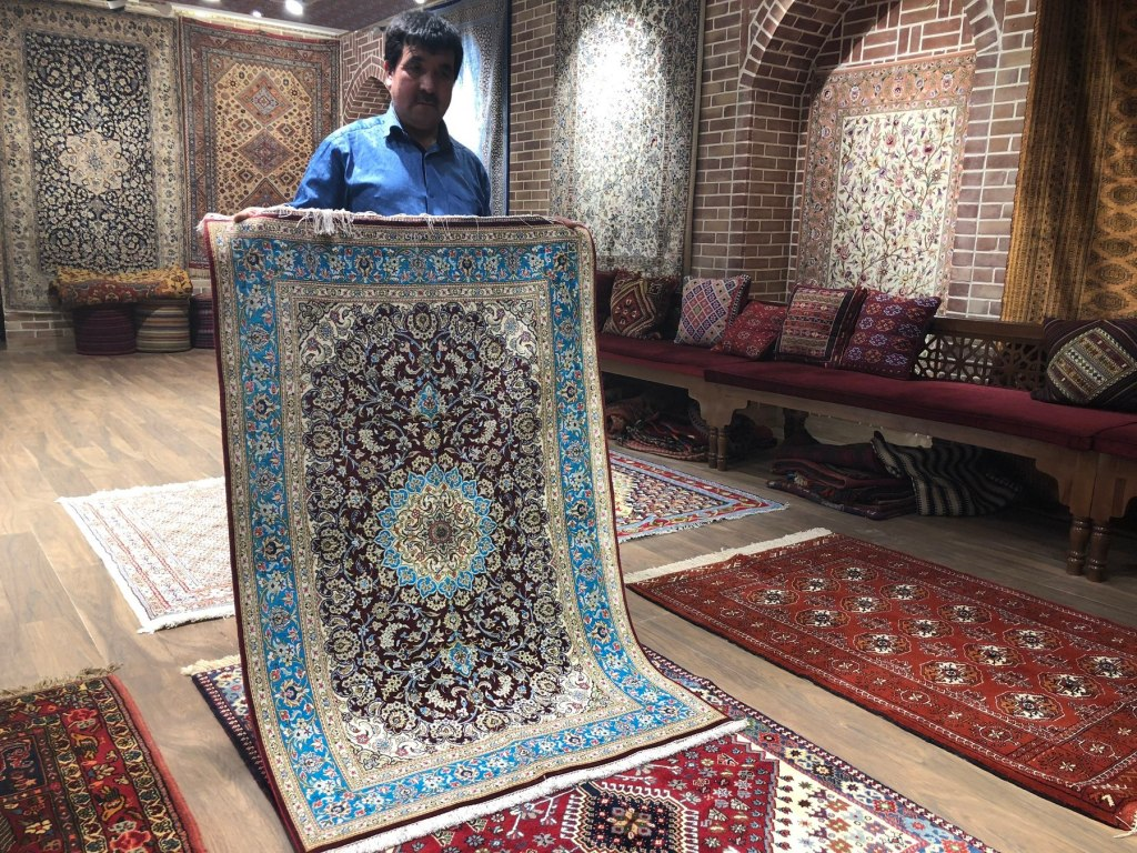 Tips For Haggling In Iran