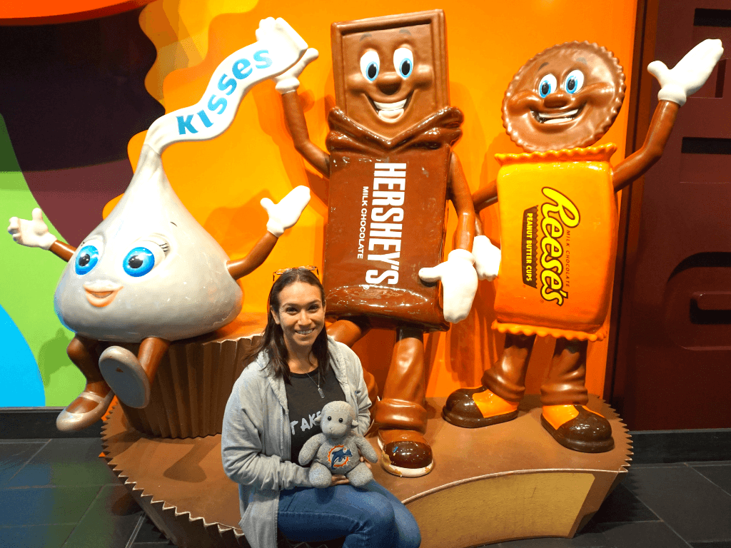 There's a fun photo op as soon as you walk in to Hershey's Chocolate World