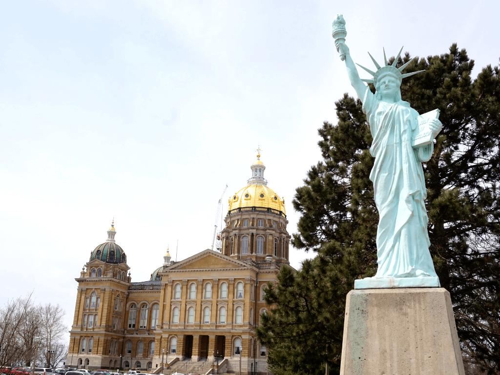 Iowa State Capitol has a mini Statue of Liberty