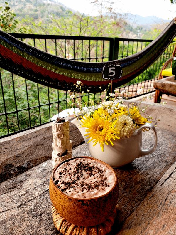 The Tea and Chocolate Place / El Lugar del Té y Chocolate