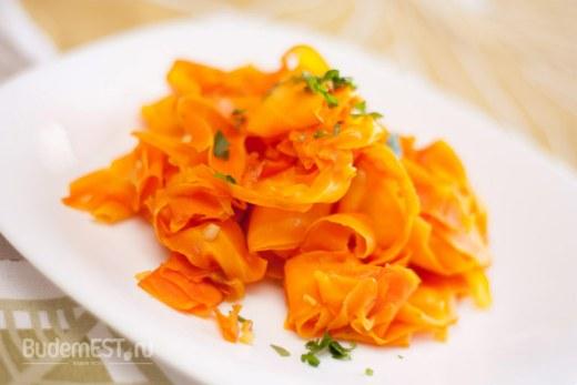 Морковь тушеная в лимонном соке