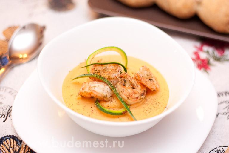 Крем-суп из нута с креветками
