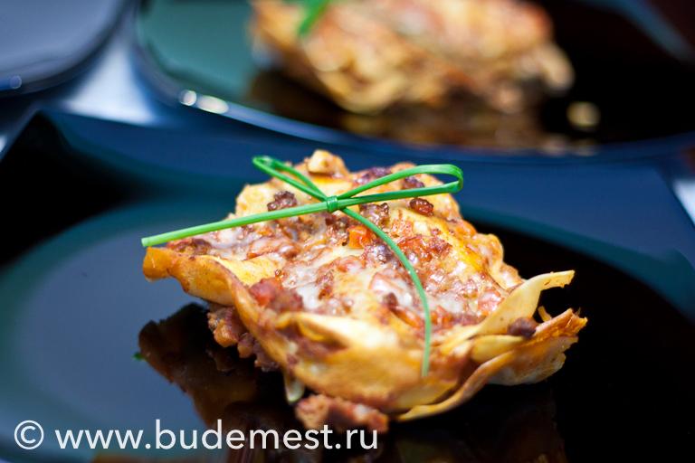 Лазанья с рагу из говядины и овощей