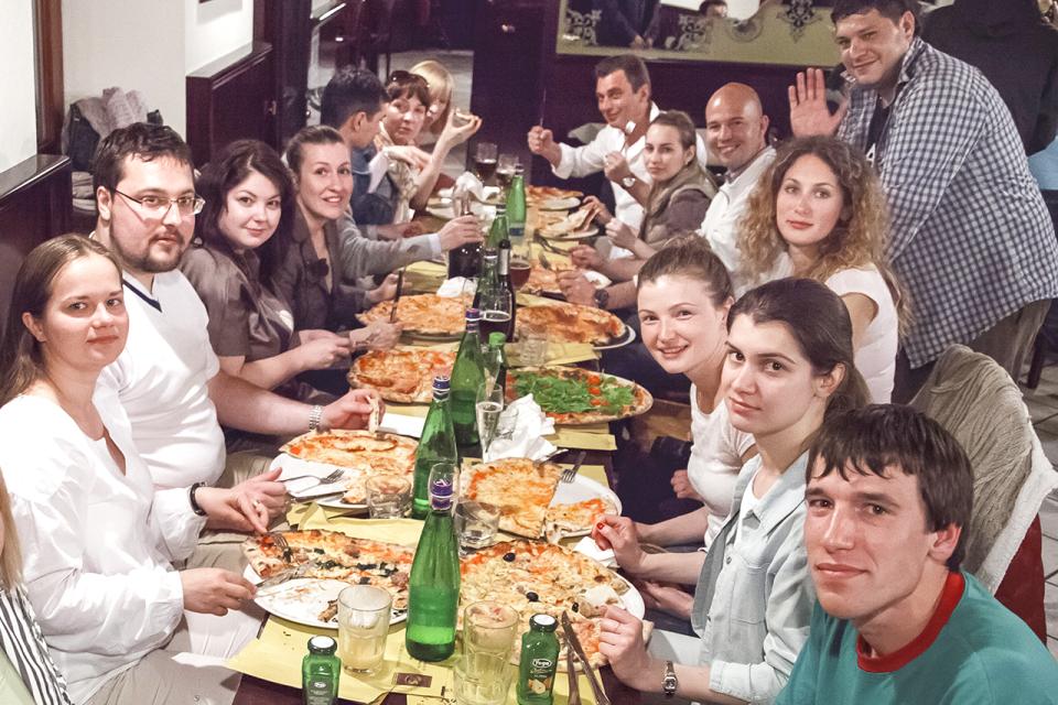 Пицца-парти в настоящей итальянской пиццерии