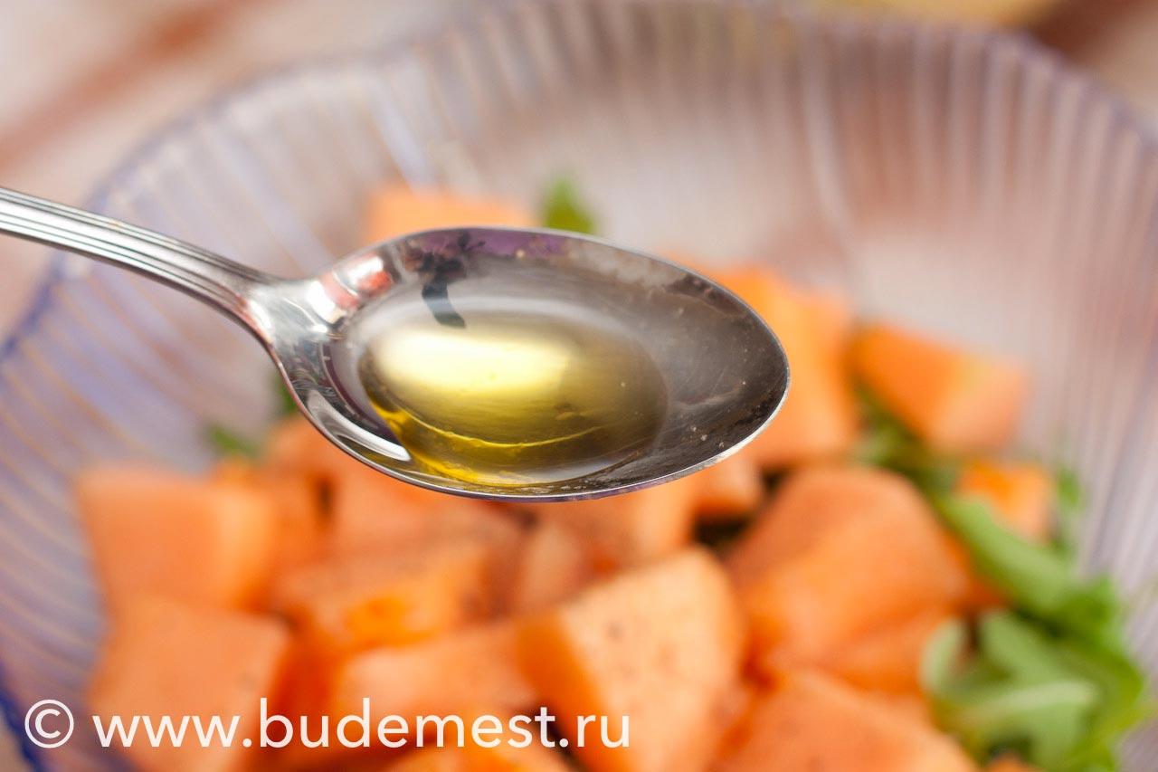 Добавьте в салат 1 ст.л масла