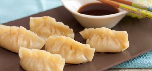 Китайские пельмени с креветками на пару