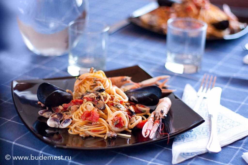 """Спагетти с морепродуктами """"алло скольо"""""""