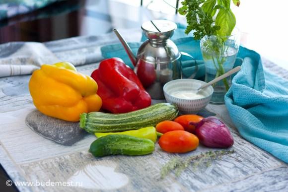 Ингредиенты для приготовления овозного тартара с процеженным йогуртом