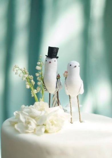 Unique Wedding Idea     Bird Cake Toppers   Budget Brides Guide   A     lovebird cake toppers